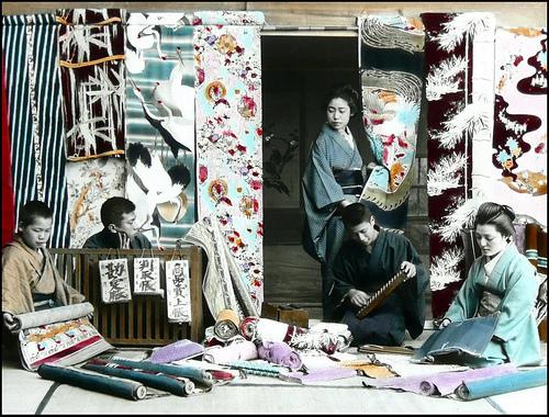 KIMONO SILK STORE in OLD JAPAN
